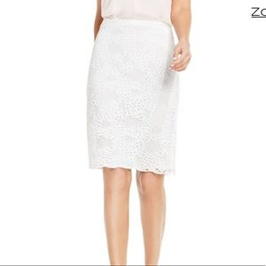 VINCE CAMUTO white lace pencil skirt